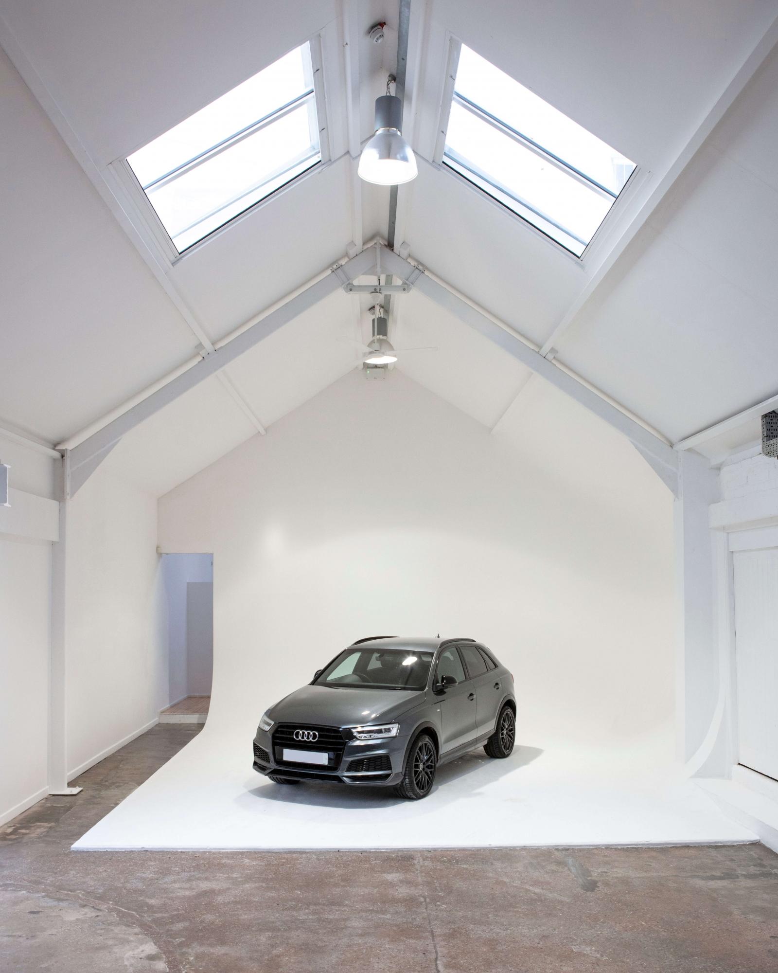 fiveourstudios Car